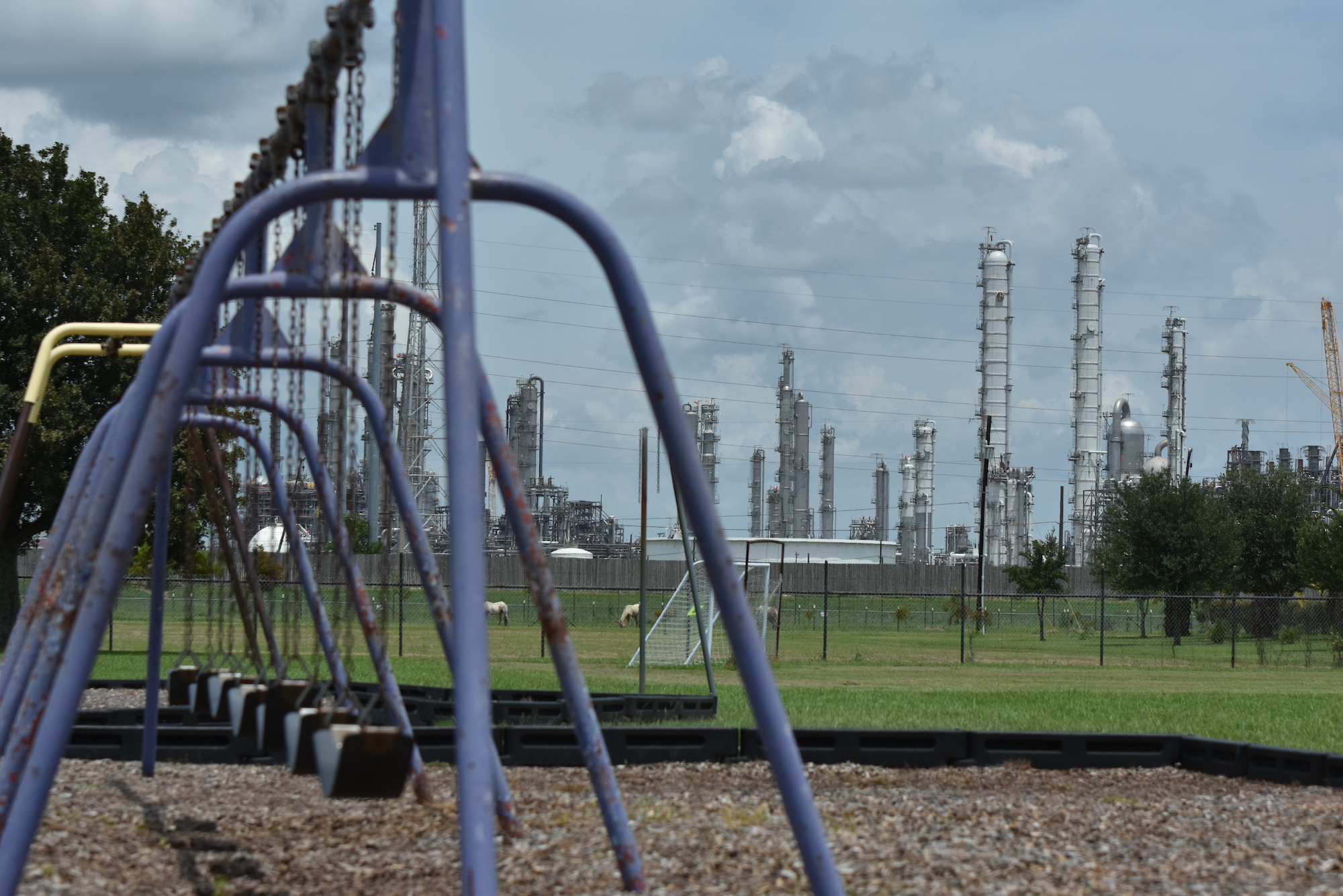 <h4>POLLUTERS MUST BE HELD ACCOUNTABLE</h4><h5>but over the last 8 years, the Texas Commission on Environmental Quality has financially penalized companies for only 3% of all illegal air pollution events.</h5><em>Heather Carroll Photography</em>